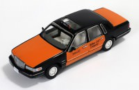 "1:43 LINCOLN TOWN CAR ""Yellow Cab Company"" Taxi 1996"