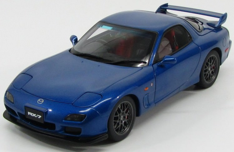 "1:18 Mazda Savanna RX-7 (FD) ""Spirit R"" Type A 2002 (innocent blue mica)"