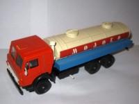 1:43 Камский грузовик-53212 Молоко