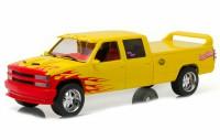 """1:18 Chevrolet C-2500 Silverado Custom Crew Cab """"Pussy Wagon"""" 1997 с брелоком (из к/ф """"Убить Билла"""")"""