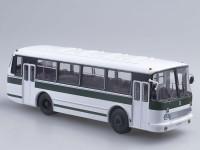 1:43 ЛАЗ-695Р бело-зеленый