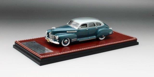 1:43 CADILLAC Series 63 Touring Sedan 1941 Turqoise/Silver