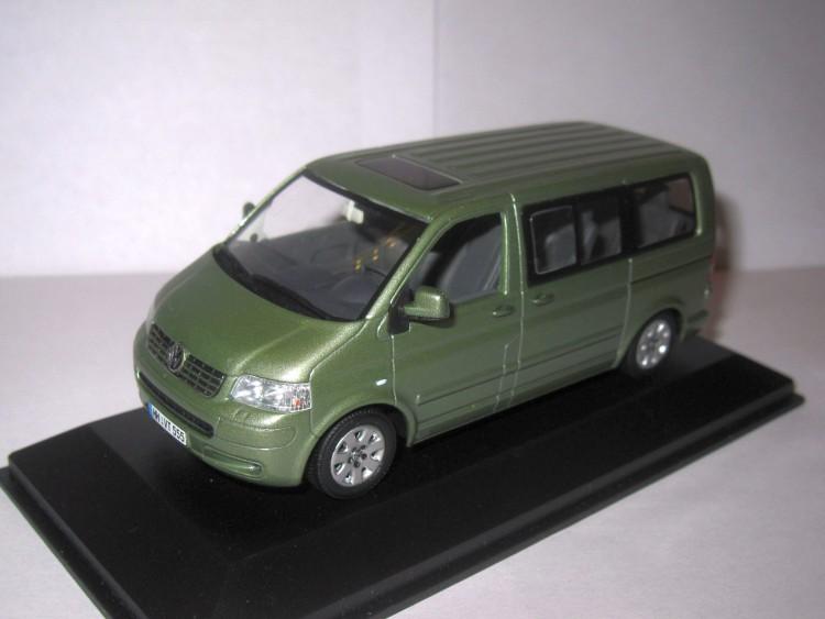 1:43 Volkswagen Multivan 2003