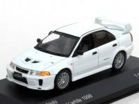 1:43 MITSUBISHI Lancer EVO V 1998 White