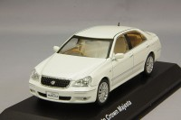 1:43 Toyota Crown Majesta (white pearl)