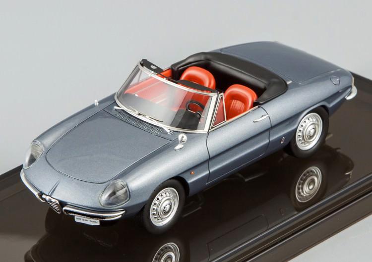 """1:43 Alfa Romeo 1600 Spider """"Duetto"""" 1966 (graphite grey)"""