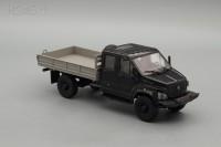 1:43 ГАЗон C42A33 бортовой, черный / серый