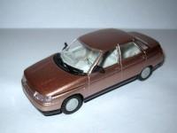 1:43 ВАЗ-2110 розовый металлик