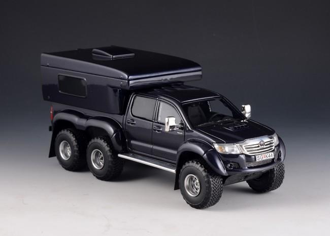 1:43 TOYOTA Hilux AT44 6x6 Arctic Truck RV Version 2014 Dark Blue Metallic