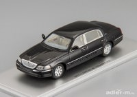 1:43 Lincoln Town Car 2011 (black)