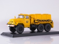 1:43 Аэродромный пусковой агрегат АПА-80 (131),жёлтый