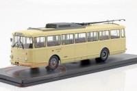 1:43 троллейбус SKODA 9TR Eberswalde 1961 Beige