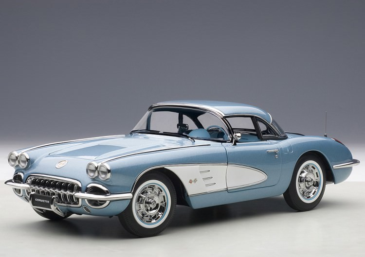 1:18 Chevrolet Corvette 1958 (silver blue)