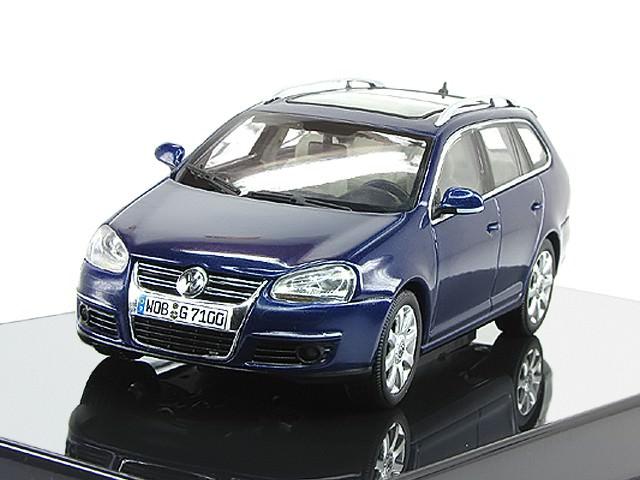 1:43 Volkswagen Golf V Variant (blue metallic)