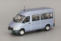 1:43 Mercedes-Benz Sprinter Classic Bus, pearl blue