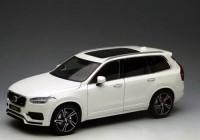 1:18 VOLVO XC90 (кроссовер 4х4) 2015 White