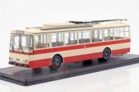 1:43 троллейбус SKODA 14TR Weimar 1981 Beige/Red
