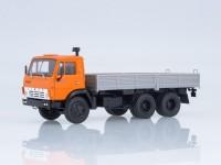 1:43 КАМАЗ-5320 бортовой, оранжевый / серый