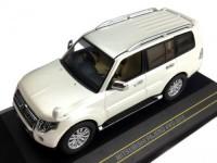 1:43 MITSUBISHI Pajero 4WD 2010 Metallic White