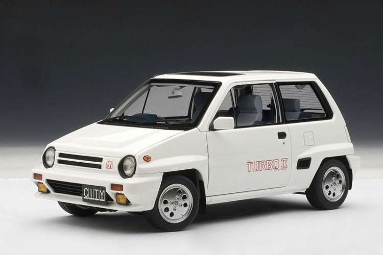 1:18 Honda city turbo II 1983 (в комплекте с мини-мото) (white)