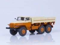 1:43 Уральский грузовик 377 бортовой, Автоэкспорт