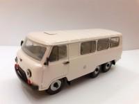 1:43 УАЗ-452К Белый