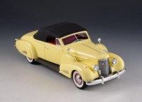 1:43 CADILLAC V16 Convertible Coupe (закрытый) 1938 Yellow