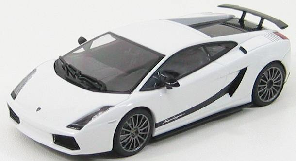 1:43 Lamborghini Gallardo Superleggera (monocerus / met.white)