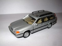 1:43 Volvo V70