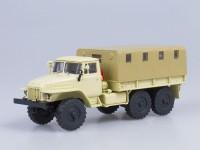 1:43 Миасский грузовик 375Д бортовой с тентом (бежевый)