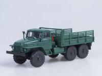 1:43 Миасский грузовик 375Д бортовой (зеленый)