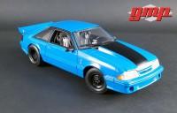 """1:18 FORD Mustang Cobra """"Drag Kings"""" 1993 Grabber Blue (производитель GMP)"""