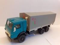 1:43 КАМский грузовик-53212 зеленый с серым тентом (с декалью 40 лет Победы)