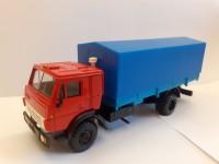 1:43 УЦЕНКА КАМский грузовик-5325 красный с синим тентом