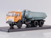1:43 Вакуумная машина КО-505 на шасси Камский-53213 (оранжевый/серый)