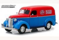 """1:24 CHEVROLET фургон """"STP"""" 1939"""