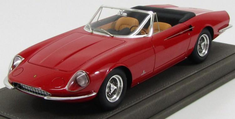 1:18 Ferrari 365 California 1966, with display