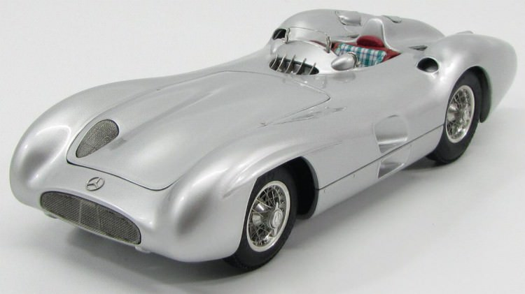 1:18 Mercedes-Benz W196R, Stromlinie Version 1954 (silver)