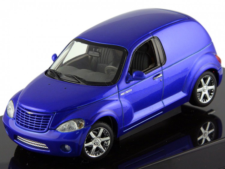 1:43 Chrysler Panel Cruiser (blue)