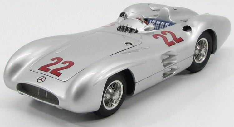 1:18 Mercedes-Benz W196R #22 Stromlinie GP Reims 1954 Hans Herrmann, L.e. 1000 pcs.