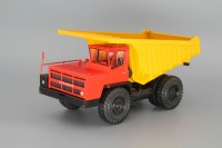 1:43 БелАЗ-7526 карьерный самосвал, красный / желтый