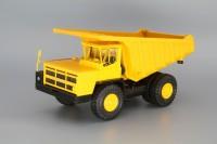 1:43 БелАЗ-7526 карьерный самосвал, желтый