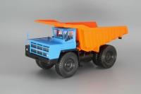 1:43 БелАЗ-7523 карьерный самосвал, синий / оранжевый