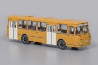 1:43 Автобус 677М Ленинградский (1978), охра