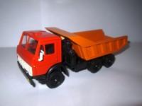 1:43 КАМский грузовик-5511 самосвал (красная кабина)