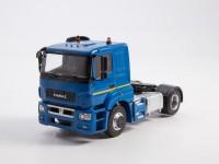 1:43 Камский грузовик 5490-S5 седельный тягач, синий