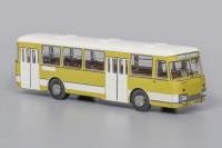 1:43 Автобус 677М Экспортный (1978), бело-оливковый