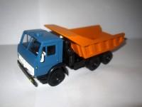 1:43 КАМский грузовик-5511 (синяя кабина)