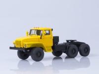 1:43 Уральский грузовик 44202 седельный тягач 6х6