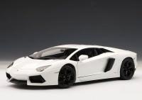 1:18 Lamborghini Aventador LP700-4 2011 (bianco isis / white)